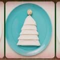 Hajtogassunk fenyőt szalvétából az ünnepi teríték mellé! +lépések +fotó
