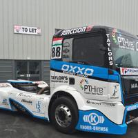 Az F1-hez képest aprópénzzel gurigáznak a kamionosok