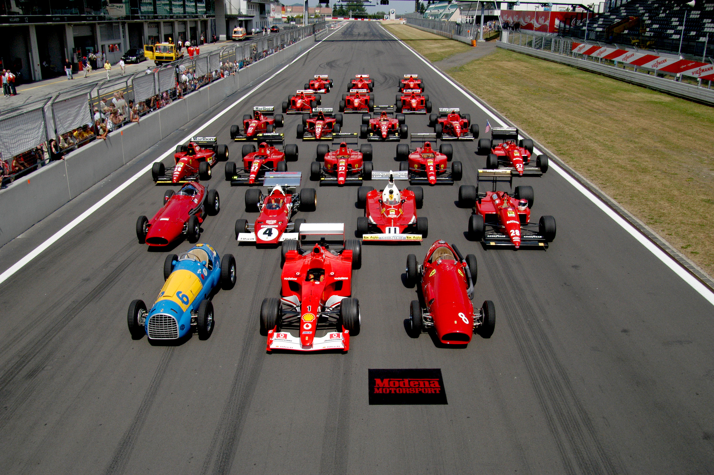 ferrari_formula_1_lineup_at_the_nurburgring.jpg