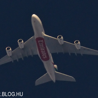 Emirates A380 A6-EDT