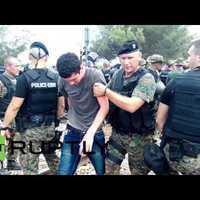 Csata a határon: leszúrtak egy macedón rendőrt