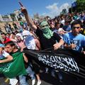 Iszlamisták kövekkel dobáltak macedón rendőröket