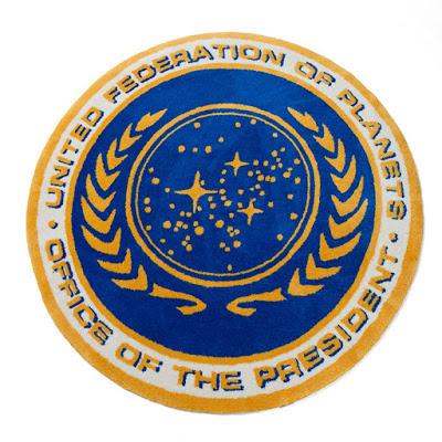 thinkgeek_star_trek_federation_presidential_seal_rug.jpg