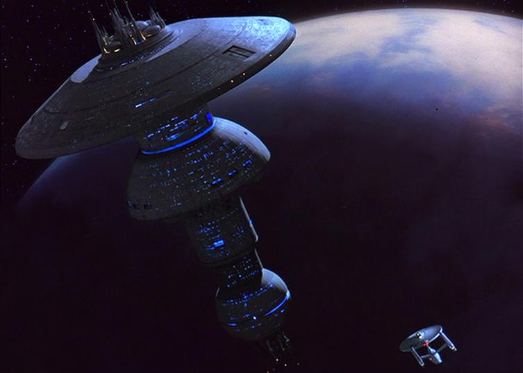uss_enterprise_approaches_the_earth_spacedock.jpg