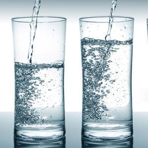 5 trükk, hogy hidratálj akkor is, ha utálsz vizet inni