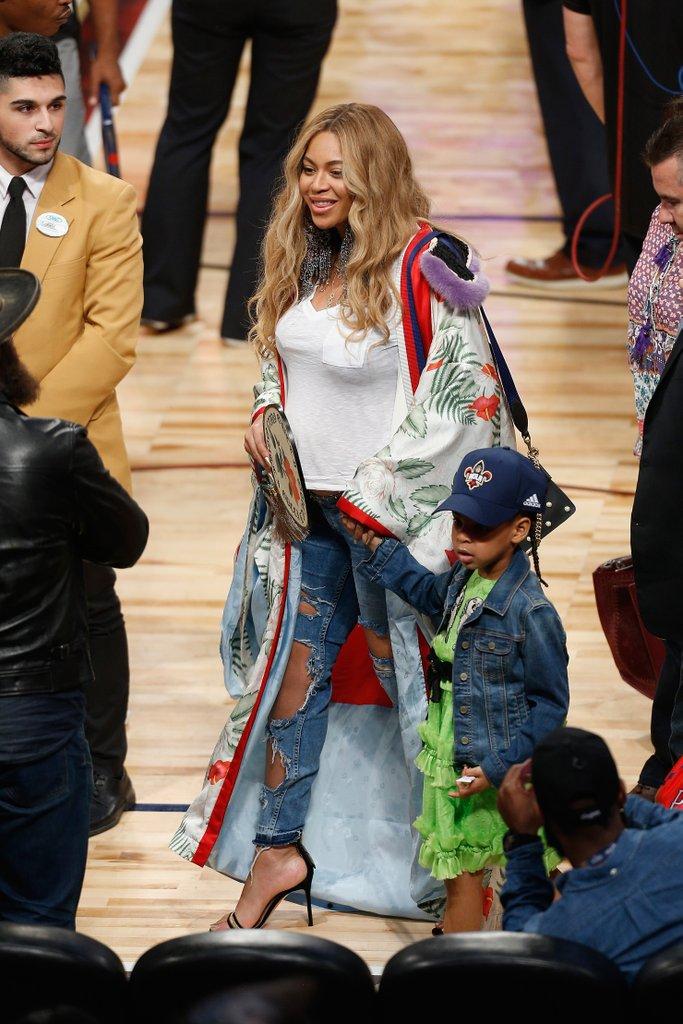Beyoncé Gucciban egy NBA meccsen