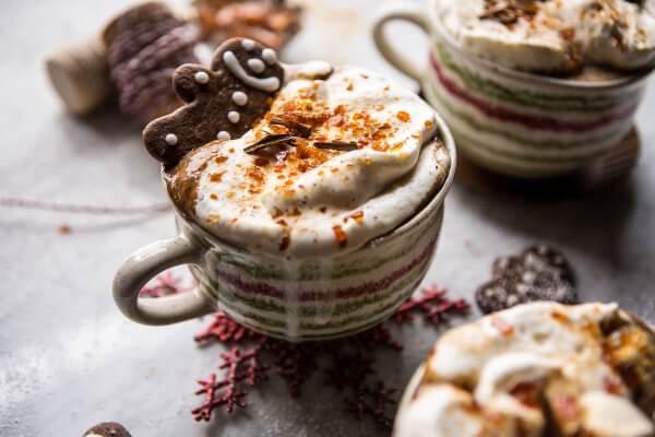 gingerbread-latte-with-salted-caramel-sugar-video-6.jpg