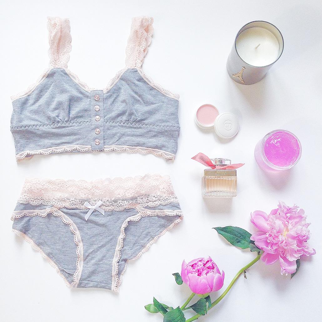 lingerie-flat-lay-styling.jpg
