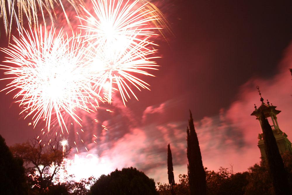 new-years-eve-barcelona-fireworks.jpg
