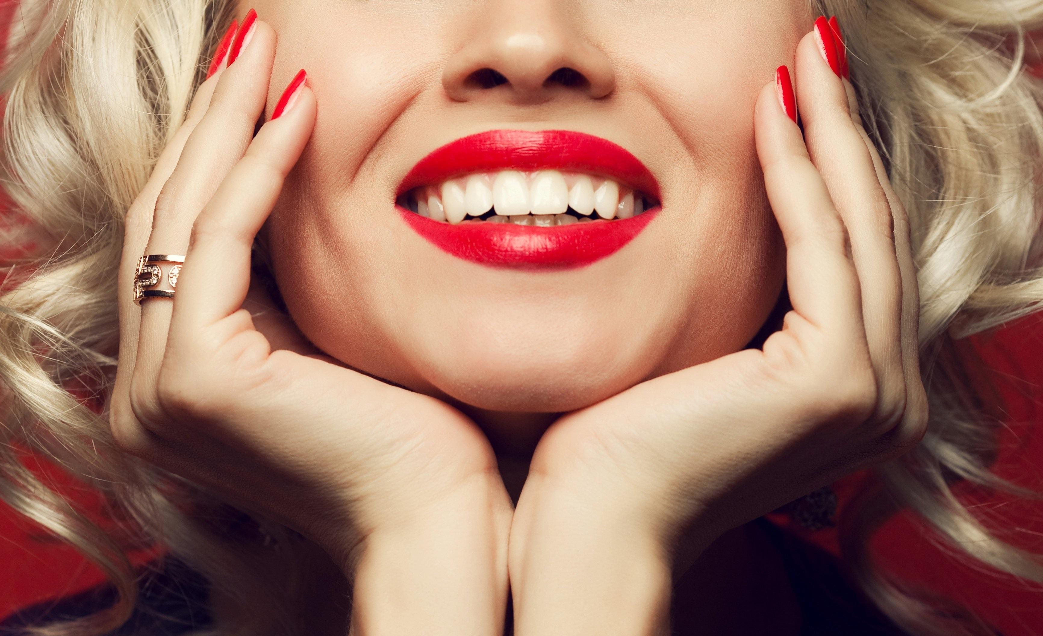 services-teeth-whitening3.jpg