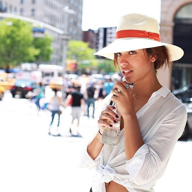womens-hats-for-summer-how-to-style-13.jpg