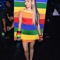 Miley Cyrus, a meztelenkedő műsorvezető
