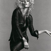 Kate Moss bőrben