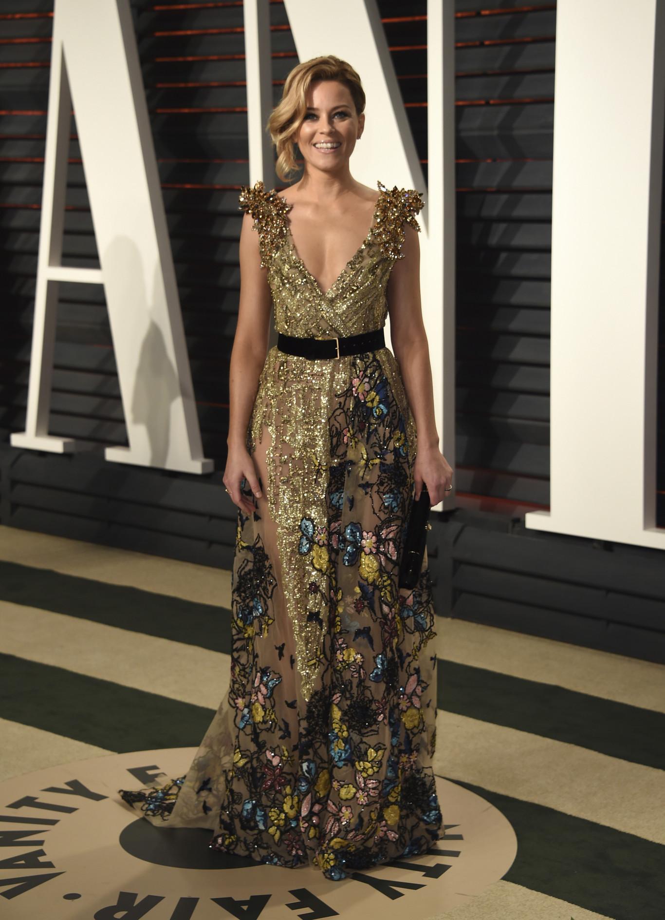Elizabeth Banks egy gyönyörű Elie Saab estélyiben.