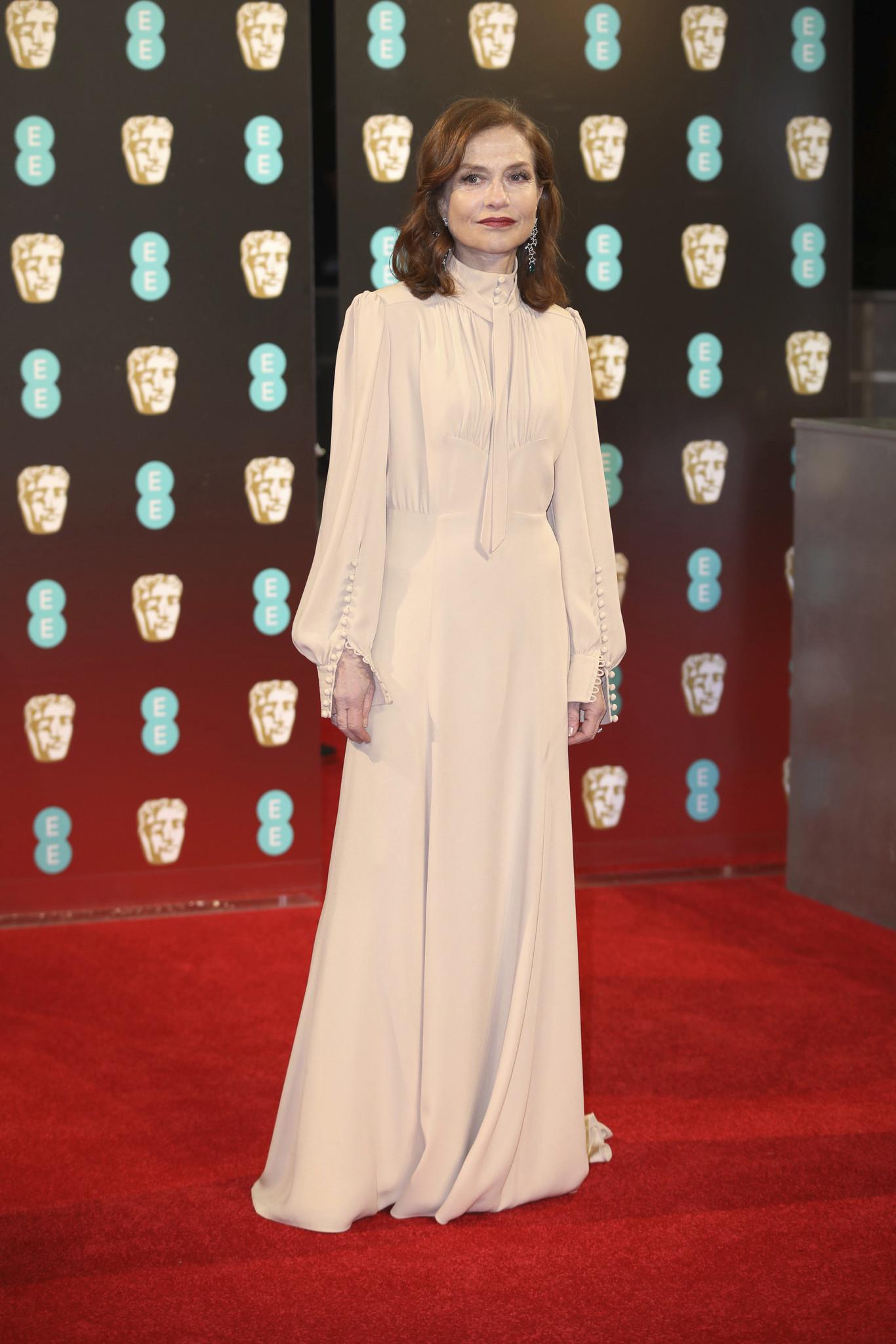 Isabelle Huppert - halvány Chloé ruhában.