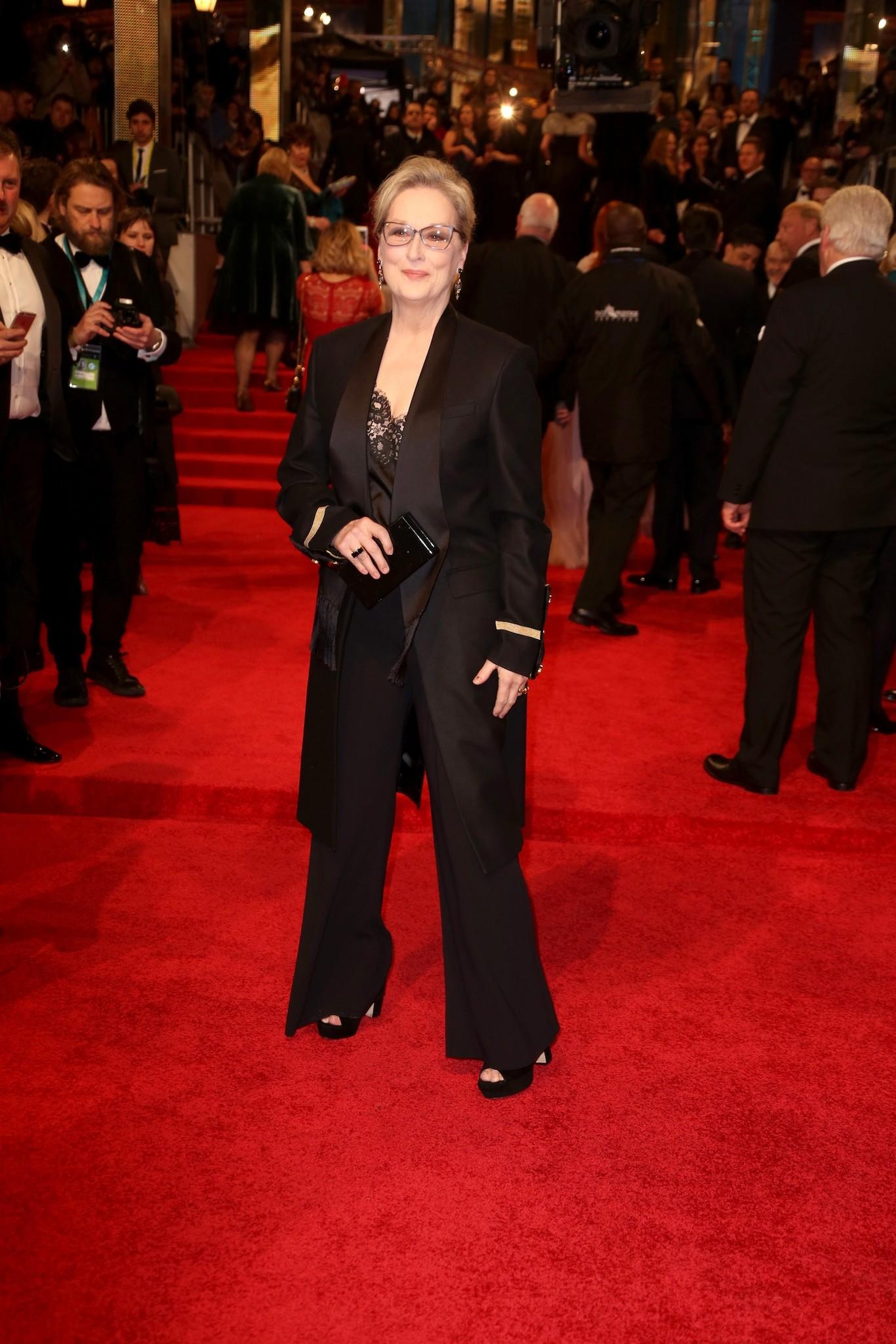 Meryl Streep - fekete Givenchy-ban.