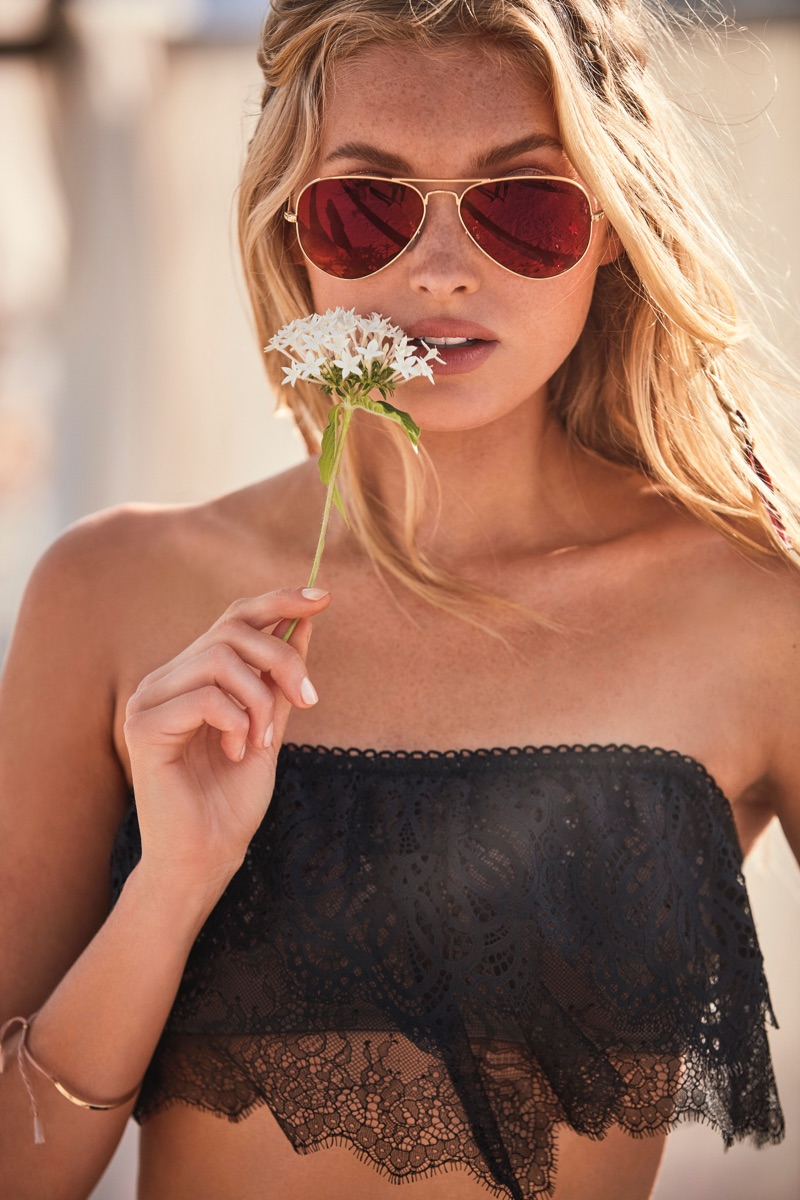 victorias-secret-sexy-little-things-2017-campaign01.jpg