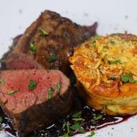A 2. karácsonyi tévéadás receptjei: szarvas steak, christmas puding és vásári kenyérlángos