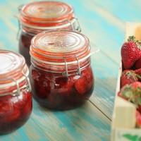 Az 52. adás receptjei: eper eper hátán, azaz a tökéletes eperleves, epres túrógombóc, epres gyümölcsrizs és nyári eperleves