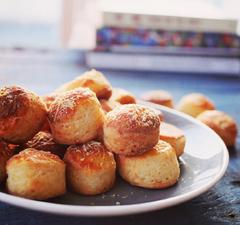 A 3 legjobb retro snack: pogácsa, sajtos ropogós és káposztás kifli