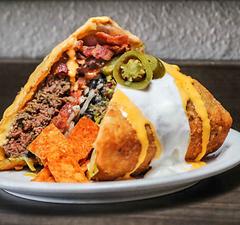 Az év eddigi 10 legőrültebb burgere