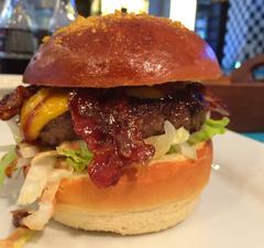 Kiváló burgerek a külvárosban - Chili Dog
