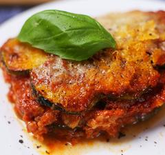 Olaszos rakott cukkini sok-sok mozzarellával