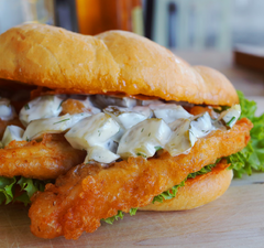 Deluxe rántott húsos szendvics & almás cobbler