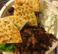 Minőségi görög ételek Óbudán: Gyradiko Flórián