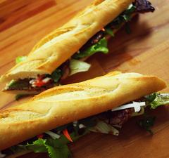 A legjobb vietnámi street food: bánh mi szendvics!