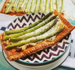 2 zseniális spárgás recept: pite és saláta