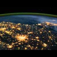 A nap videója: 5 perc alatt a Föld körül