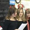 2010.12.10. adás: Mikulásváró sulibuli, jött a Mikulás, versenyek