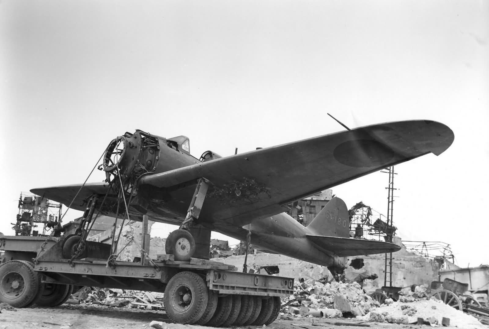 A6M Zero 'felcserre' várva.