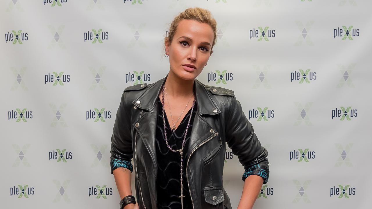julia-ducournau-raw-interview.jpg