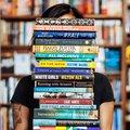 Évente 200 könyvet elolvashatnál, amíg a közösségi médián lógsz!