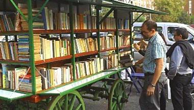 Egy buszjegy áráért könyvet venni - MOZGÓ KÖNYVEK!