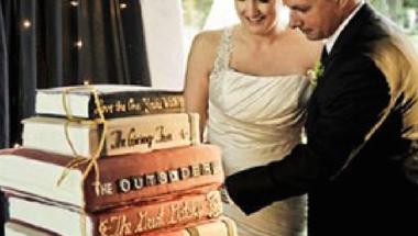 Íme a legmenőbb esküvői dekor: könyvek! (SOK KÉPPEL!)