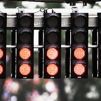 Ismét felgyúlnak a piros lámpák - tesztek és bemutatók 2015
