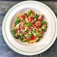 Kuszkuszos pirrantott zöldségsaláta