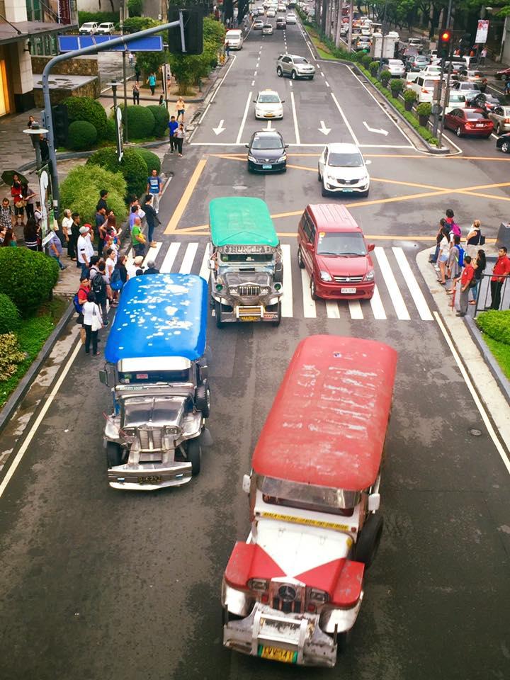 Jeepney-k, amikor találkoznak