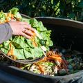Megmaradt élelmiszerrel segíti a rászorulókat az Aldi