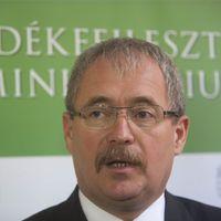 Három ember, akik már túl kínosak Orbán Viktor számára
