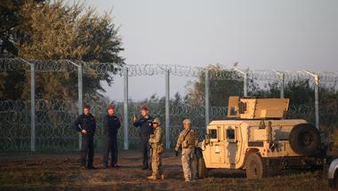 Miért játszik háborúsdit a déli határnál a honvédség?