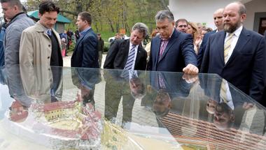 A Fidesz nem csak a választókat, de saját magát is becsapja a politikájával