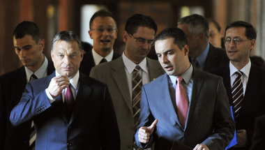 Orbán Viktor európai politikust farag Vona Gáborból?