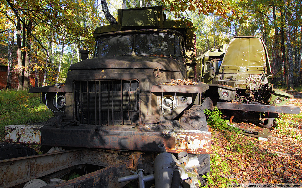abandoned-base-soviet-military-equipment-2.jpg