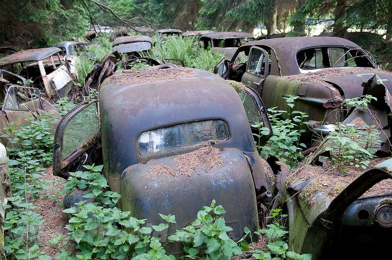 chatillon-car-graveyard-35.jpg