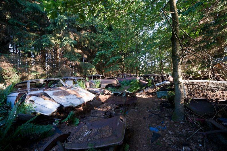 chatillon-car-graveyard-8_255b3_255d.jpg