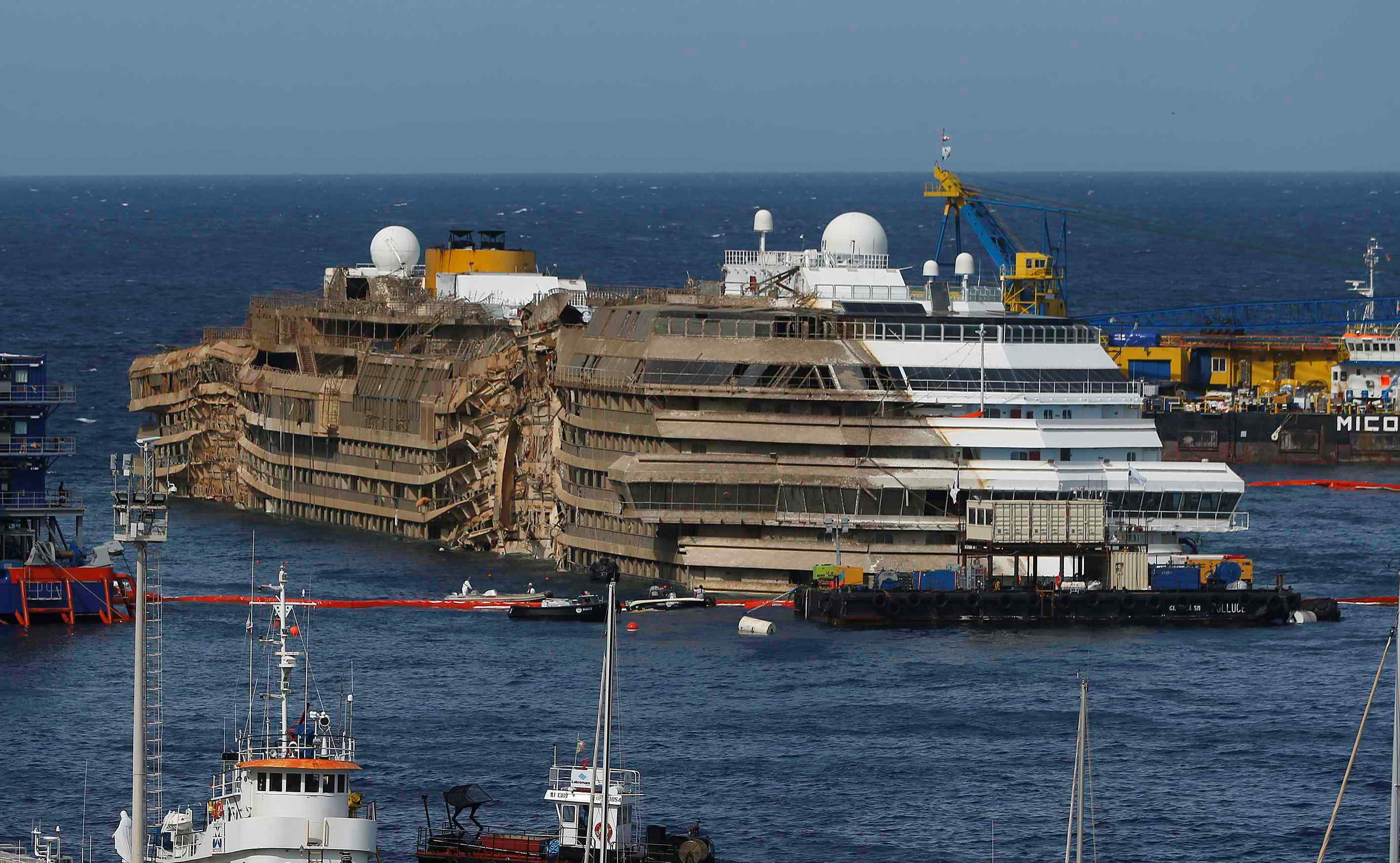 costa-concordia-harbor.jpg